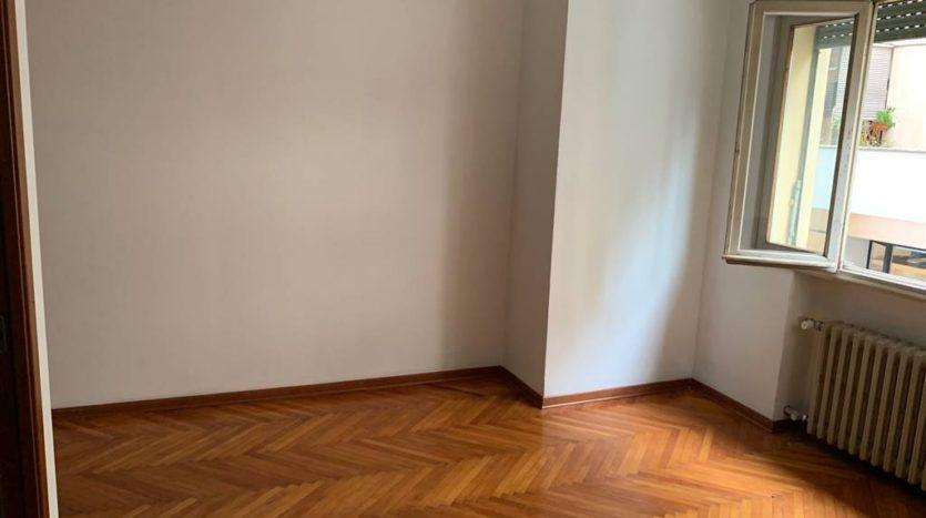 camera da altra prospettiva allo stato attuale appartamento Mestre Centralissimo